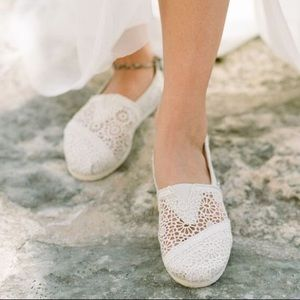 TOMS | NWOT Crochet Slip On Shoes